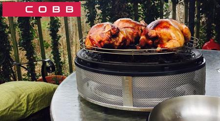 Parrilla de asar para barbacoa Cobb Supreme con pollos